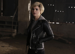 Keri Russell Wears Blonde Hairpiece on the Set of The Americans