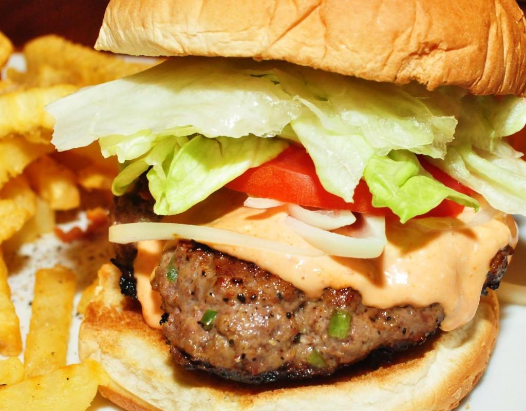 Burger_DeLuxe_(4414826939)